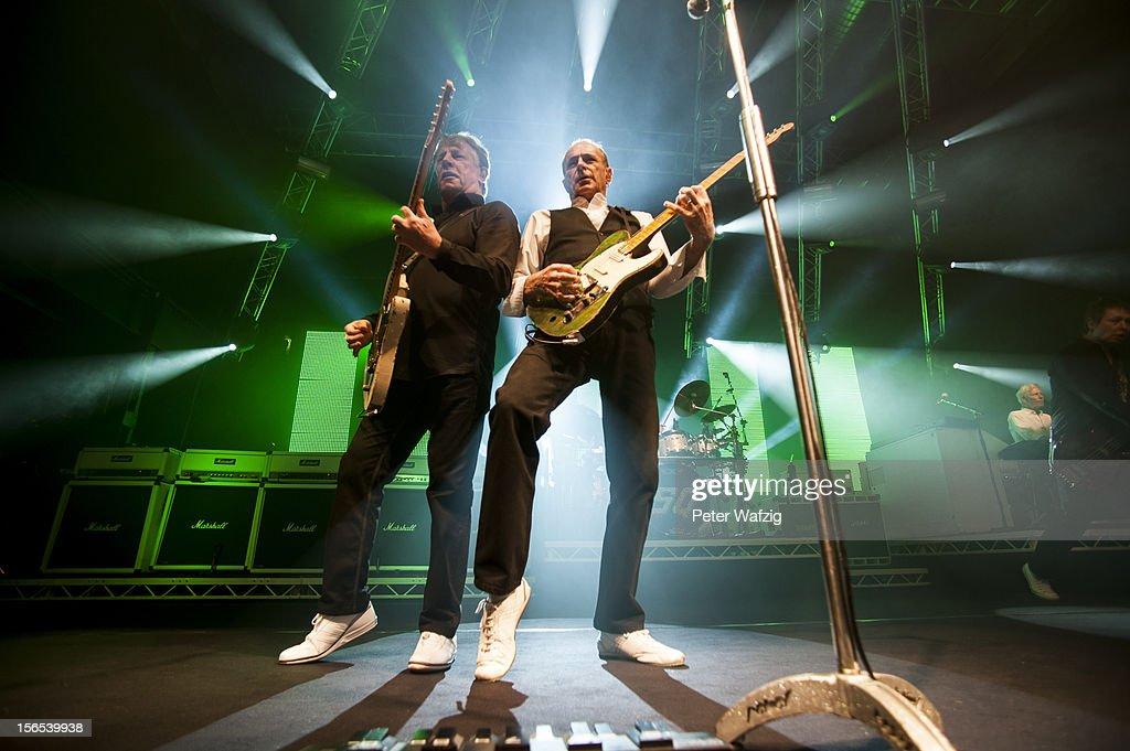 Status Quo Cologne Concert : Nachrichtenfoto