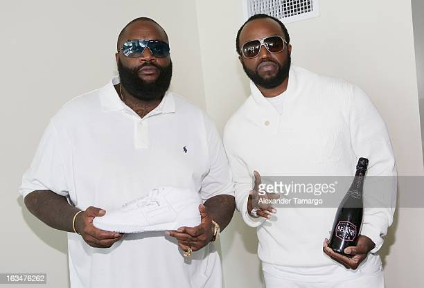 Reebok Photos Ross Classic White Suite Rick Gifting Stock At Party Sq1rSxp