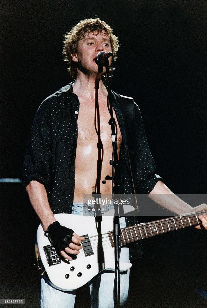 Def Leppard Perform At Birmingham NEC In 1996 : News Photo