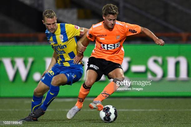 Rick Stuy van den Herik of TOP Oss Robin Schouten of Volendam during the Dutch Keuken Kampioen Divisie match between FC Volendam v TOP Oss at the...