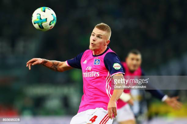 Rick van Drongelen of Hamburg in action during the Bundesliga match between Borussia Moenchengladbach and Hamburger SV at BorussiaPark on December 15...