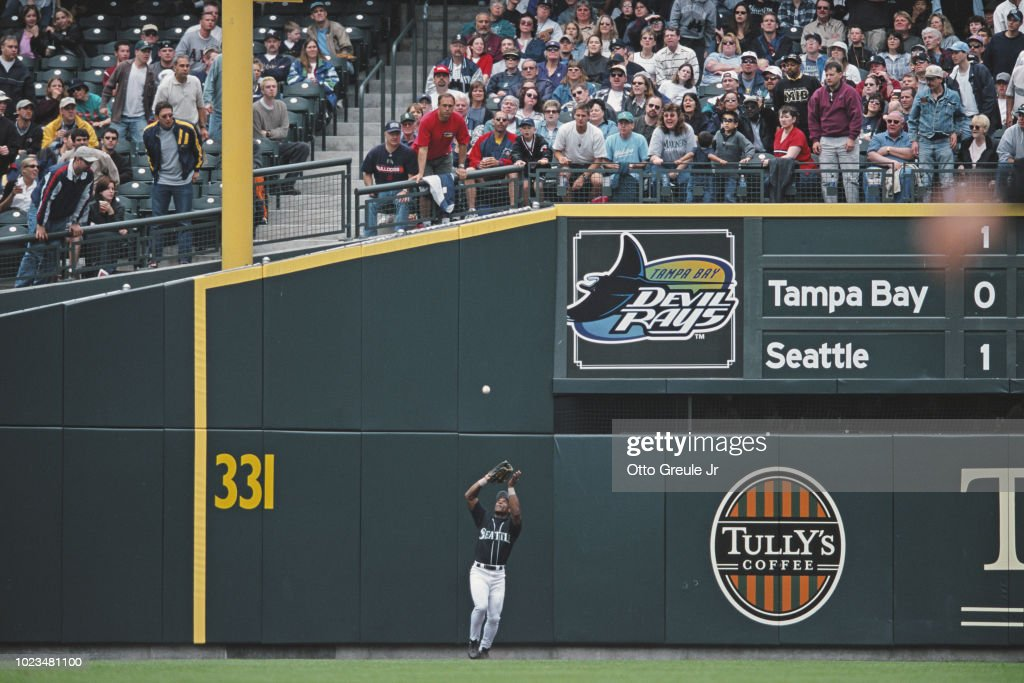 Tampa Bay Devil Rays vs Seattle Mariners : News Photo