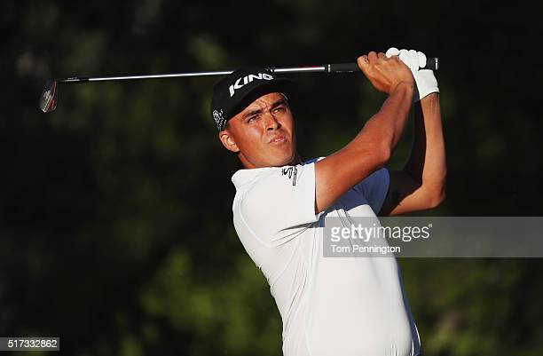 Rickie Fowler of the United States hits a tee shot on the 17th hole during the second round of the World Golf ChampionshipsDell Match Play at the...