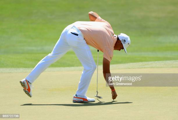 Rickie Fowler prepares to putt on the second hole during the final round at the Arnold Palmer Invitational Presented By MasterCard at Bay Hill Club...