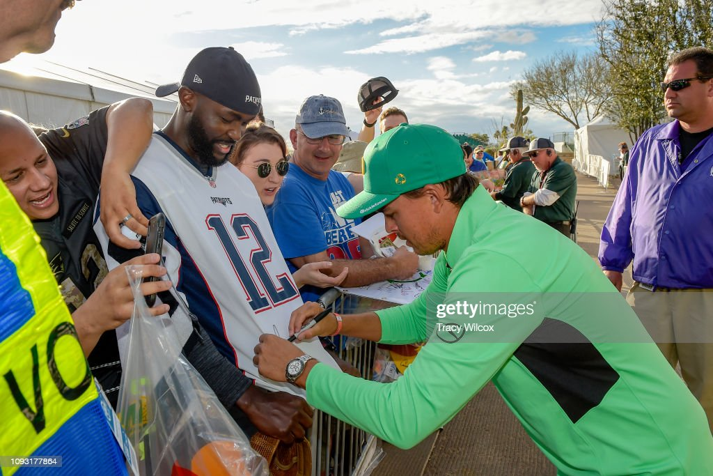 Waste Management Phoenix Open - Round Three : News Photo