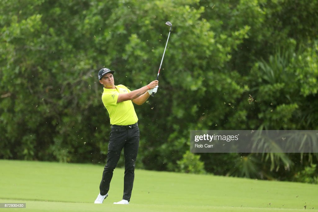 Rickie Fowler the United States plays a shot on the 17th hole during the continuation of the second round of the OHL Classic at Mayakoba on November 11, 2017 in Playa del Carmen, Mexico.