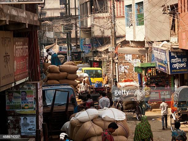 バングラデシュの人力車のドライバー - チッタゴン ストックフォトと画像
