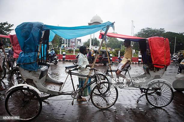 Rickshaw drivers wait for customers in Patna Bihar India on Saturday July 11 2015 Anyone placing bets on whether Indian central bank Governor...