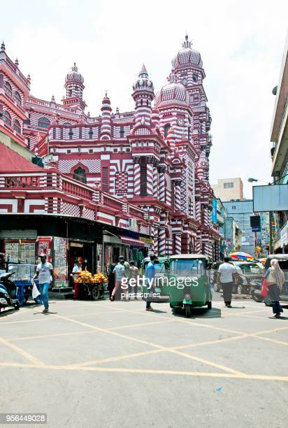 rickshaw in pettah, red mosque, fort, colombo, sri lanka - islamabad stock pictures, royalty-free photos & images
