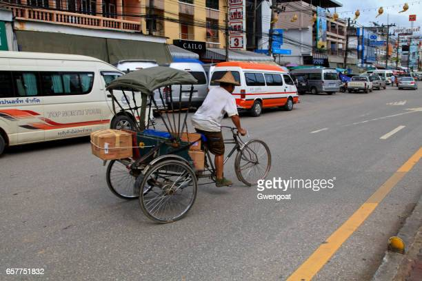 rickshaw in thailand - gwengoat stock pictures, royalty-free photos & images