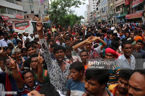 Rickshawpullers shout slogans at the Rampura Bazar during the protest A large number of rickshawpullers and owners blocked Dhaka roads for the second...