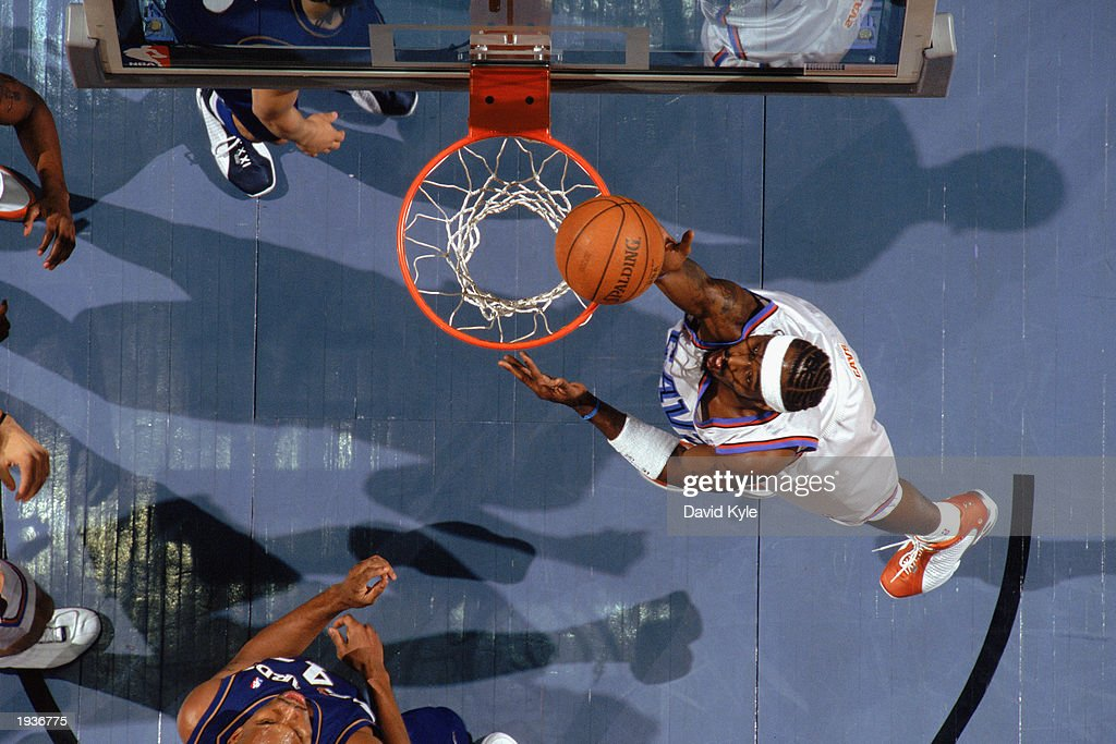 Ricky Davis #31 of the Cleveland Cavaliers takes the layup during the game against the Washington Wizards at Gund Arena on April 8, 2003 in Cleveland, Ohio. The Wizards defeated the Cavaliers 100-91.