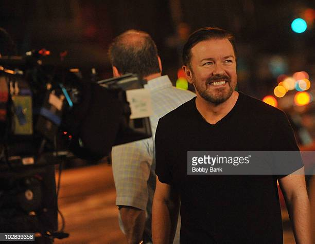 Ricky Gervais on location for Curb Your Enthusiasm on the streets of Manhattan on July 12 2010 in New York City