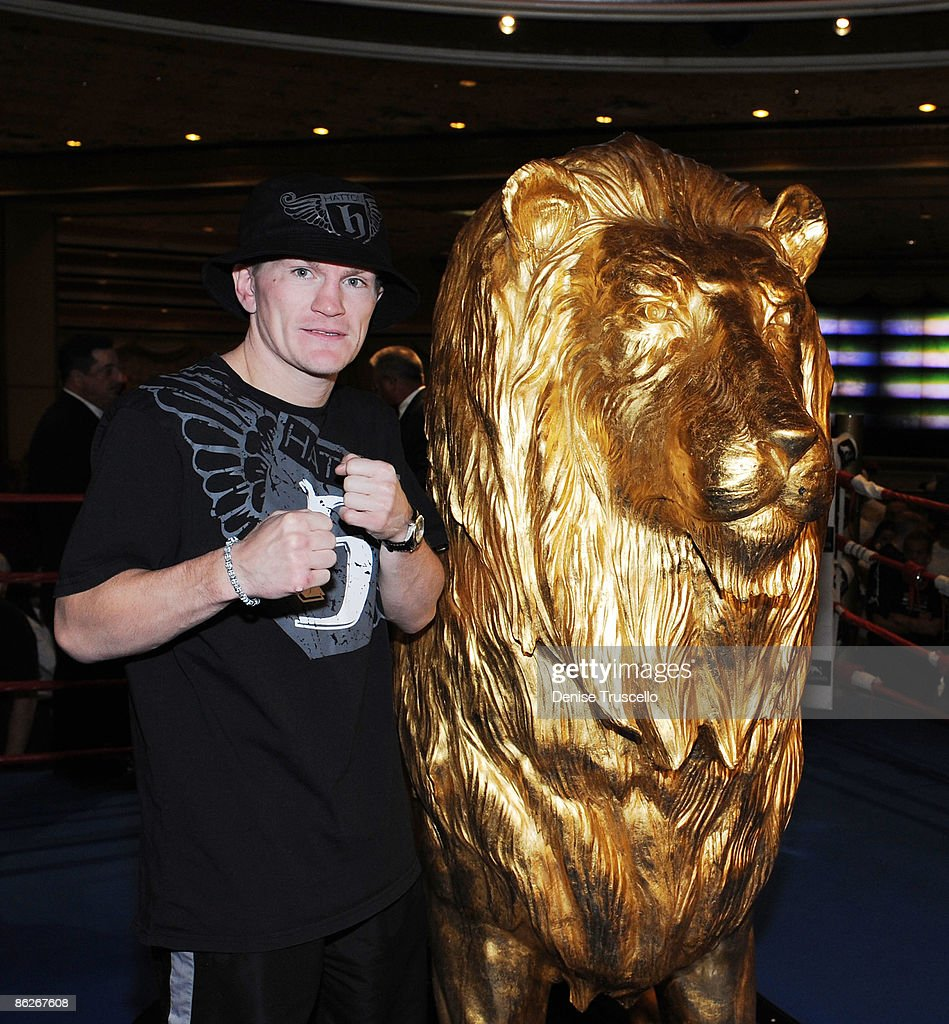 Ricky Hatton Arrives at MGM Grand Photos and Images | Getty Images