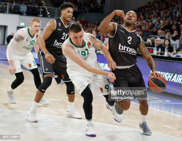 Ricky Hickman #2 of Brose Bamberg competes with Edgaras Ulanovas #92 of Zalgiris Kaunas in action during the 2017/2018 Turkish Airlines EuroLeague...