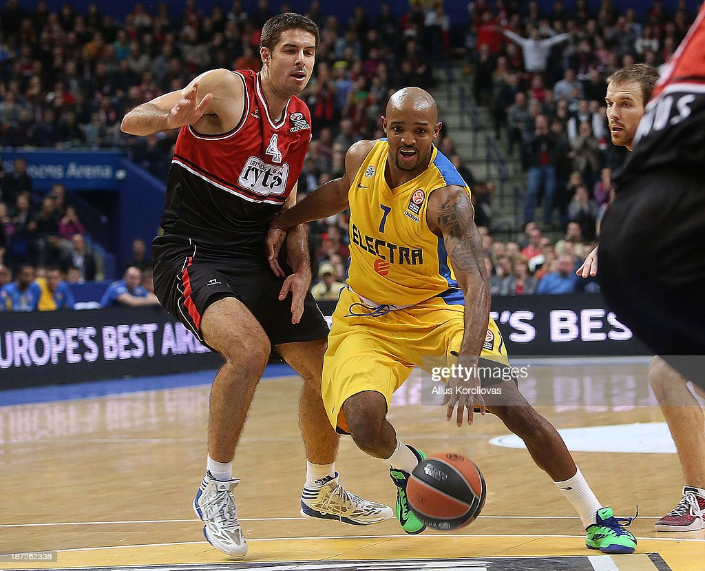 Ricky Hickman, #7 of Maccabi Electra Tel Aviv in action during the 2013-2014 Turkish Airlines Euroleague Regular Season Date 4 game between Lietuvos Rytas Vilnius v Maccabi Electra Tel Aviv at Siemens Arena on November 7, 2013 in Vilnius, Lithuania.
