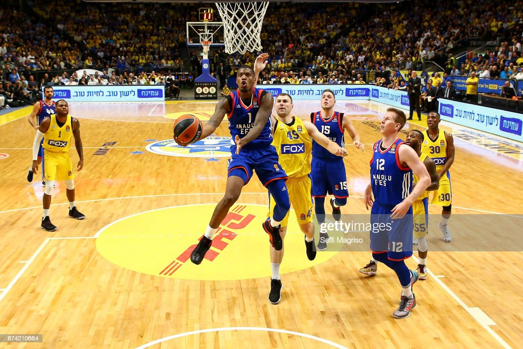 Ricky Ledo, #1 of Anadolu Efes Istanbul in action during the 2017/2018 Turkish Airlines EuroLeague Regular Season Round 7 game between Maccabi Fox Tel Aviv and Anadolu Efes Istanbul at Menora Mivtachim Arena on November 14, 2017 in Tel Aviv, Israel.