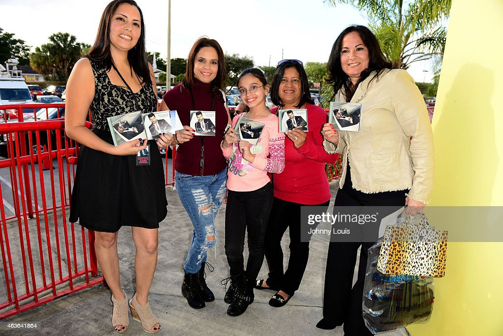 Ricky martin meets and greets fans photos and images getty images ricky martin meets and greets fans at brandsmart on february 16 2015 in miami m4hsunfo
