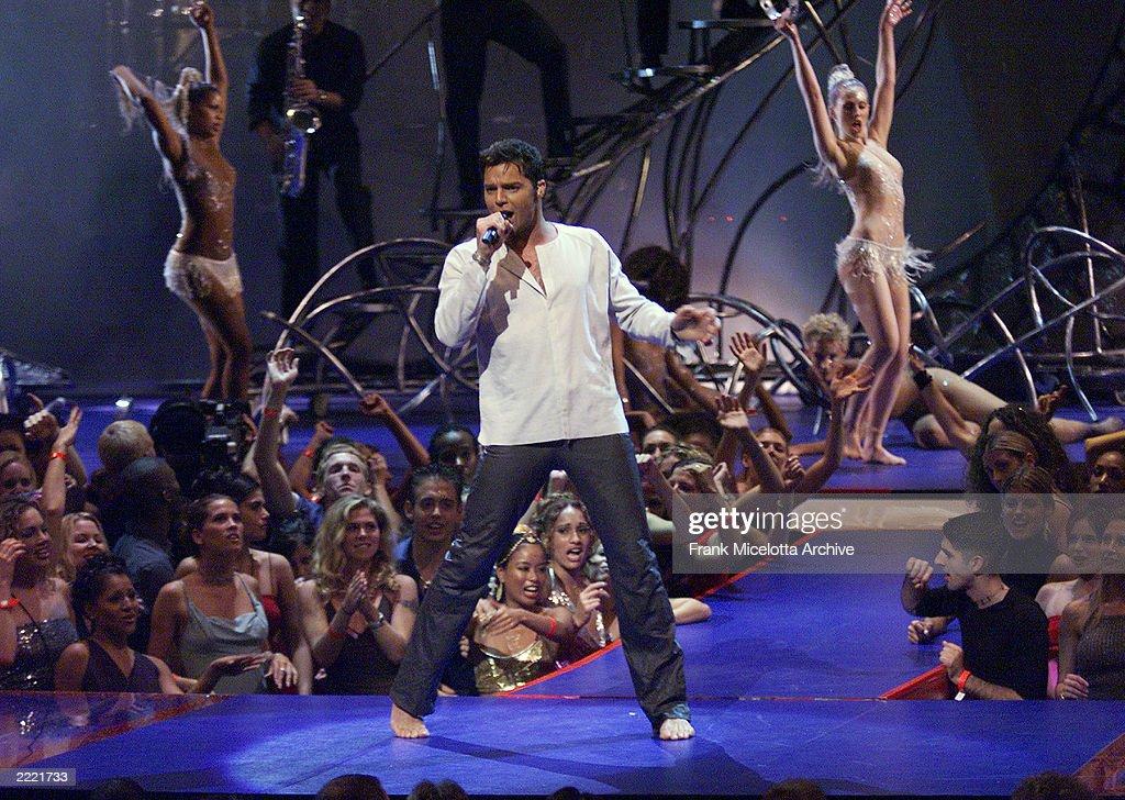 1999 MTV Video Music Awards News Photo