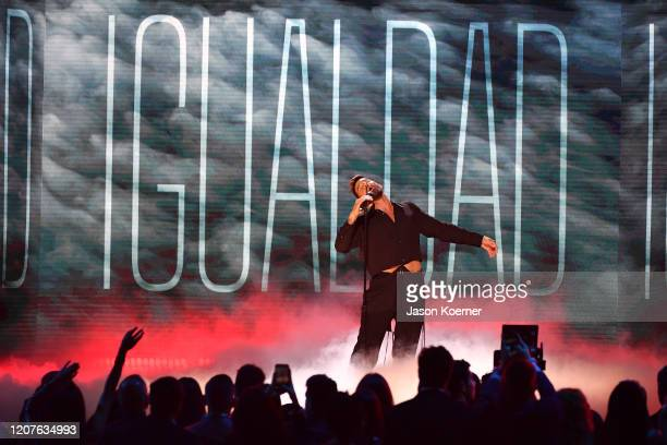 Ricky Martin performs live on stage at Univision's Premio Lo Nuestro 2020 at AmericanAirlines Arena on February 20 2020 in Miami Florida