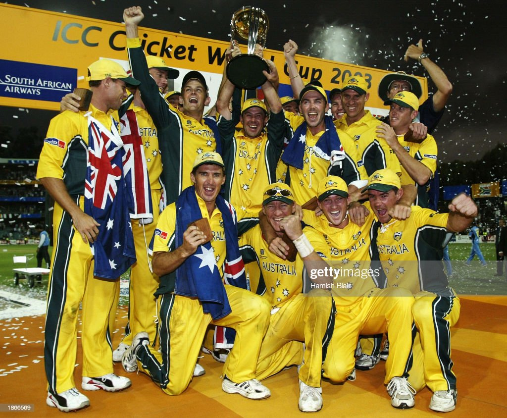 Ricky Ponting captain of Australia celebrates with the trophy : News Photo