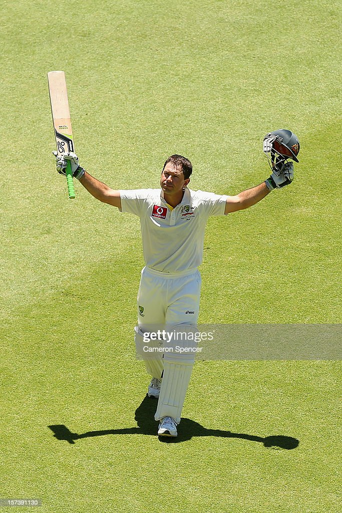 Ricky Ponting of Australia walks off the field to a standing ovation after playing his last inning for Australia during day four of the Third Test Match between Australia and South Africa at WACA on December 3, 2012 in Perth, Australia. Ponting was dismissed by Robin Peterson of South Africa.