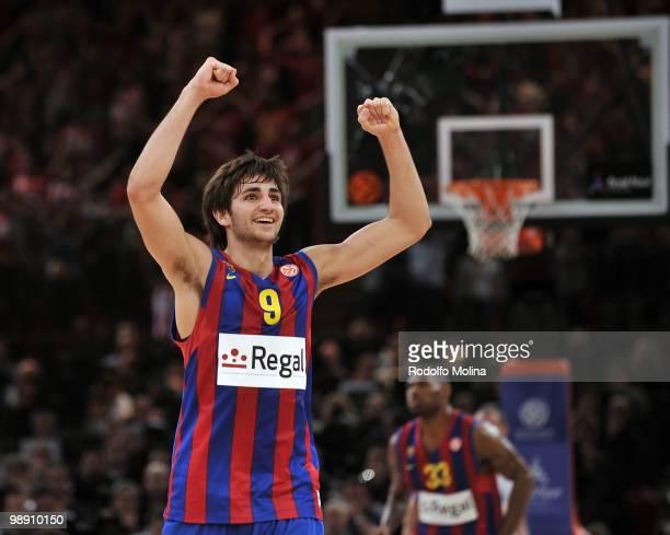 Ricky Rubio, #9 of Regal FC Barcelona celebrates during the Euroleague Basketball Senifinal 1 between Regal FC Barcelona vs CSKA Moscow at Bercy...