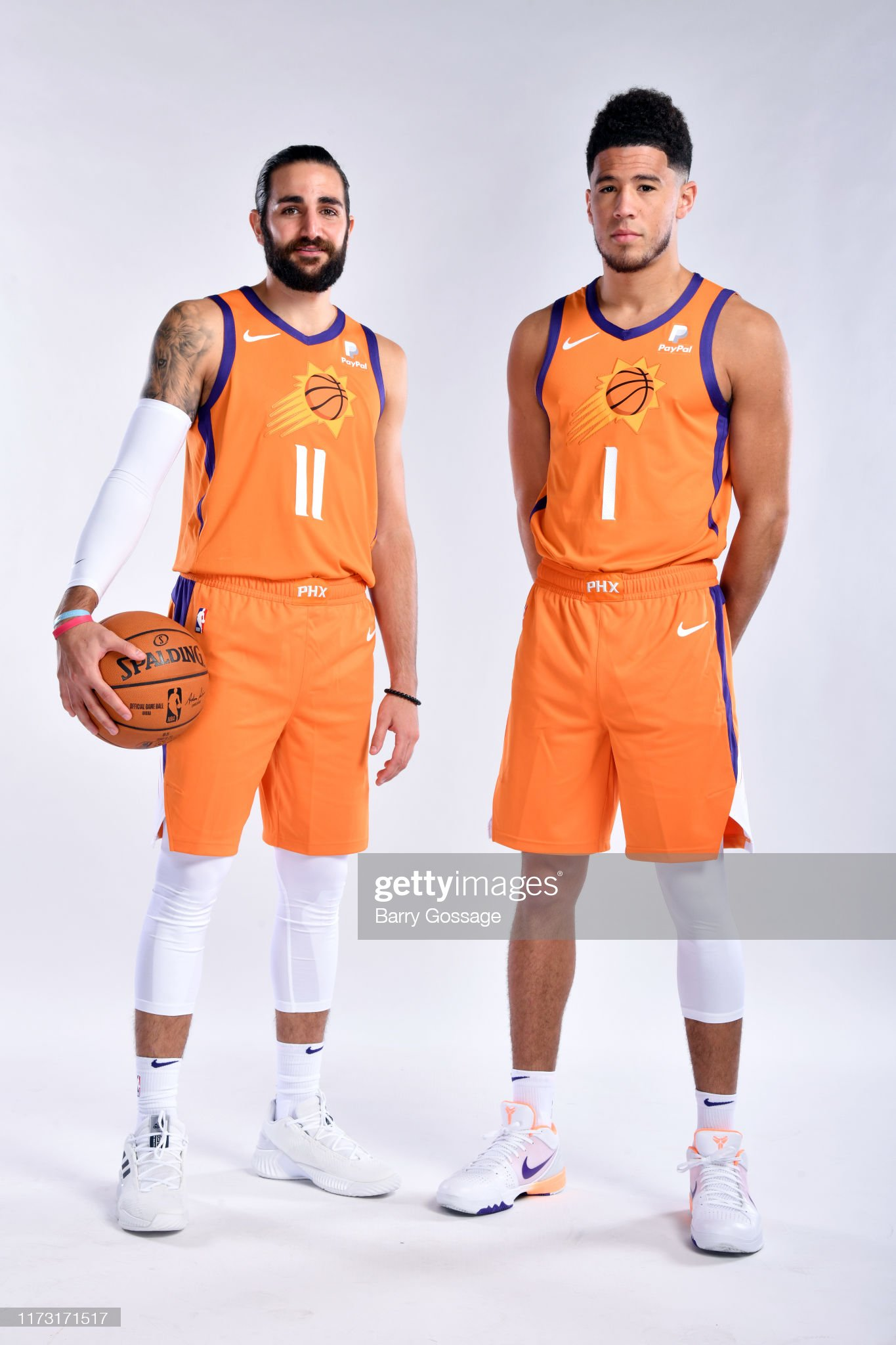 ¿Cuánto mide Ricky Rubio? - Altura - Real height Ricky-rubio-and-devin-booker-of-the-phoenix-suns-poses-for-a-portrait-picture-id1173171517?s=2048x2048