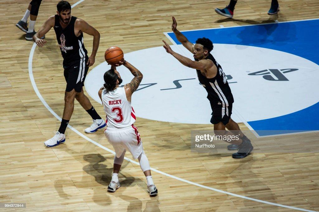 Pau Gasol vs Marc Gasol - Basketball : News Photo