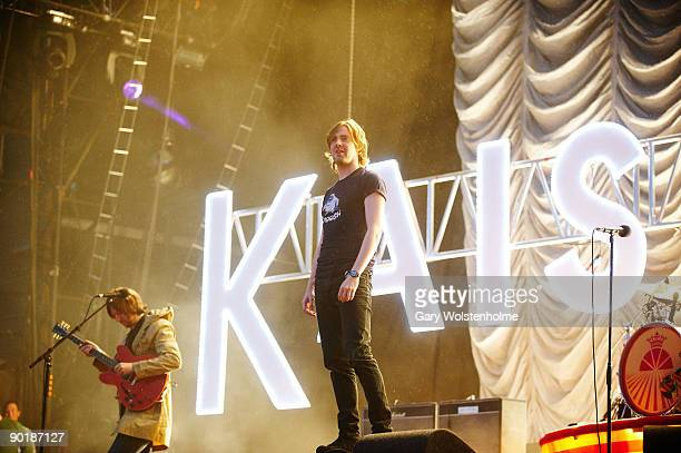 Ricky Wilson of Kaiser Cheifs perform on stage on the last day of Leeds Festival at Bramham Park on August 30 2009 in Leeds England