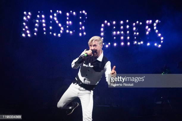 Ricky Wilson of Kaiser Chiefs performs on stage at Usher Hall on January 22, 2020 in Edinburgh, Scotland.