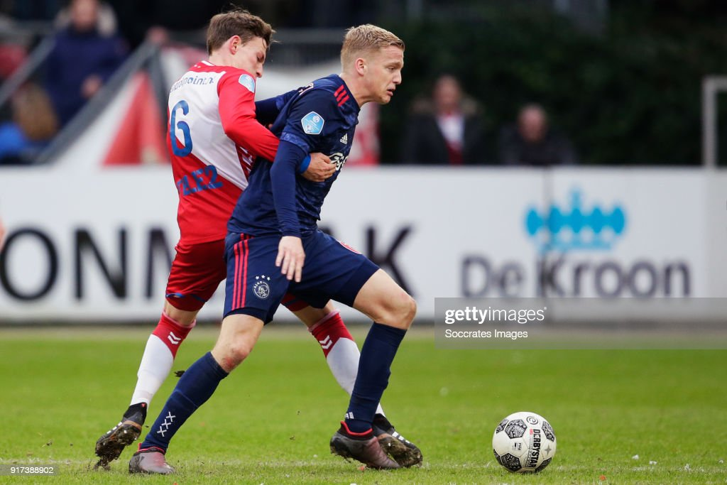 (L-R Rico Strieder of FC Utrecht, Donny van de Beek of Ajax during the Dutch Eredivisie match between FC Utrecht v Ajax at the Stadium Galgenwaard on January 28, 2018 in Utrecht Netherlands