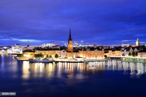 riddarholmen inselchen, stockholm - riddarholmkirche stock-fotos und bilder