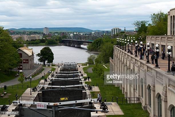 rideau canal locks - リドー運河 ストックフォトと画像