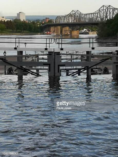 rideau canal locks - gatineau stock pictures, royalty-free photos & images