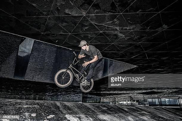 BMX rider ジャンプ