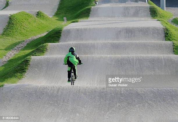 bmx rider - olympic park london stock pictures, royalty-free photos & images