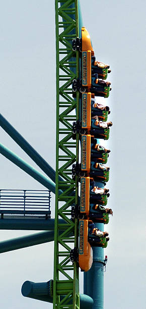 riders on the kingda ka the tallest roller coasterの写真および