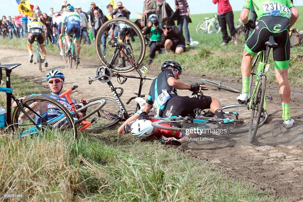 2016 Paris - Roubaix Cycle Race : ニュース写真