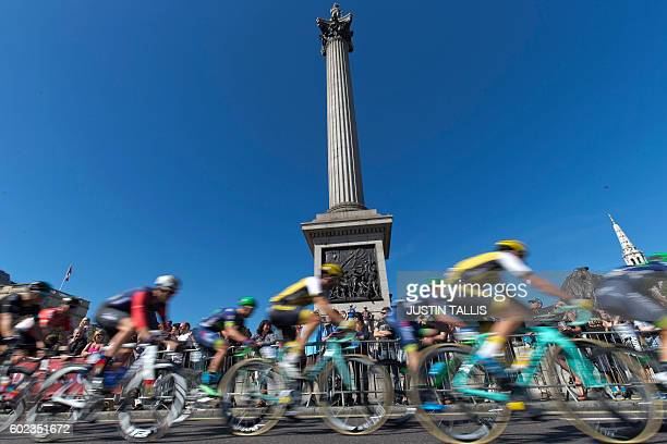 TOPSHOT Riders pass Nelson's Column during the 99km final stage of the Tour of Britain cycle race on September 11 2016 in London / AFP / Justin TALLIS