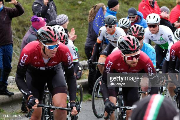Riders2 on the Cote de Park Rash ascent near the village of Kettlewell in the Yorkshire Dales during the fourth and final stage of the Tour de...