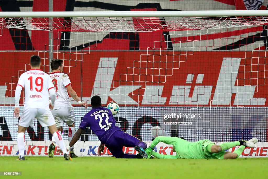 Ridge Munsy of Erzgebirge Aue scores the first goal and equalises during the Second Bundesliga match between Fortuna Duesseldorf and FC Erzgebirge Aue at Esprit-Arena on January 24, 2018 in Duesseldorf, Germany.