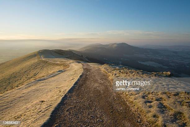 ridge path on the malvern hills. herefordshire and worcestershire. england. uk. - worcestershire stock pictures, royalty-free photos & images