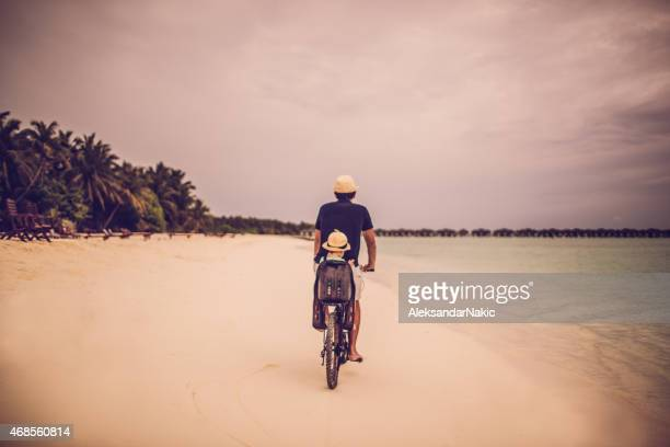 Montar una bicicleta de vacaciones