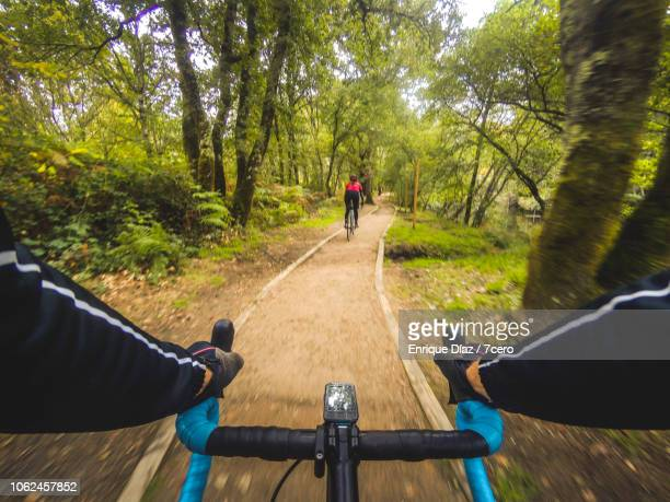 riding along the cycle path of the tea river - personal perspective stock pictures, royalty-free photos & images