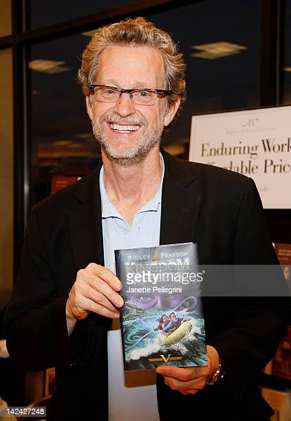 Ridley Pearson promotes 'Shell Game' at Barnes Noble Country Glen Center on April 4 2012 in Carle Place New York