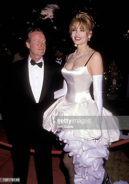 Ridley Scott and Geena Davis during 64th Annual Academy Awards at Dorothy Chandler Pavilion in Los Angeles California United States
