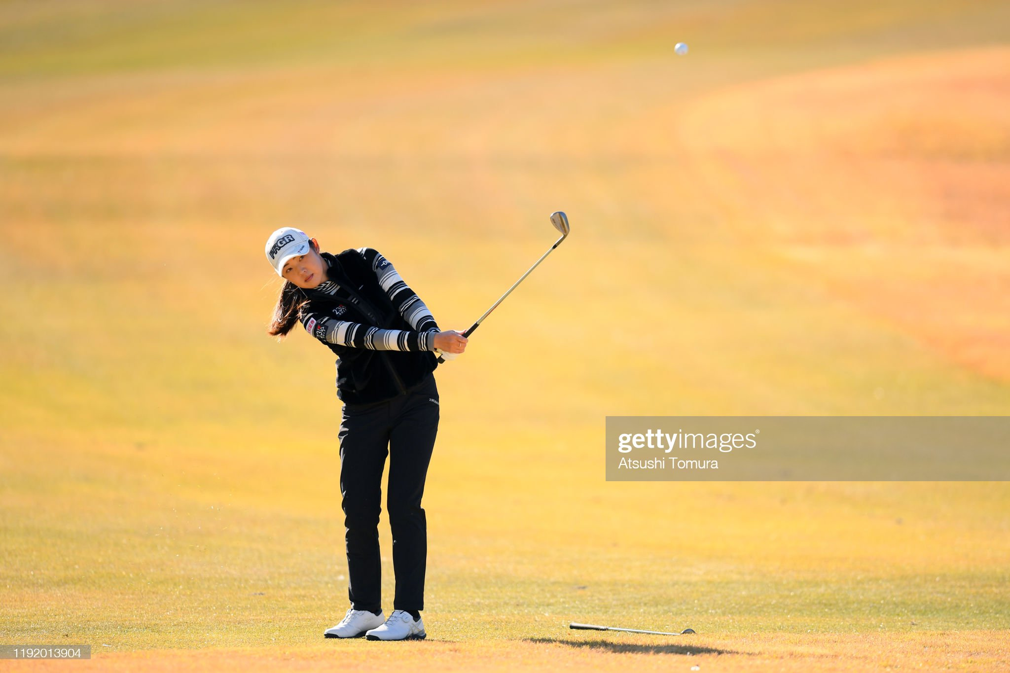 https://media.gettyimages.com/photos/rie-tsuji-of-japan-chips-onto-the-11th-green-during-the-third-round-picture-id1192013904?s=2048x2048