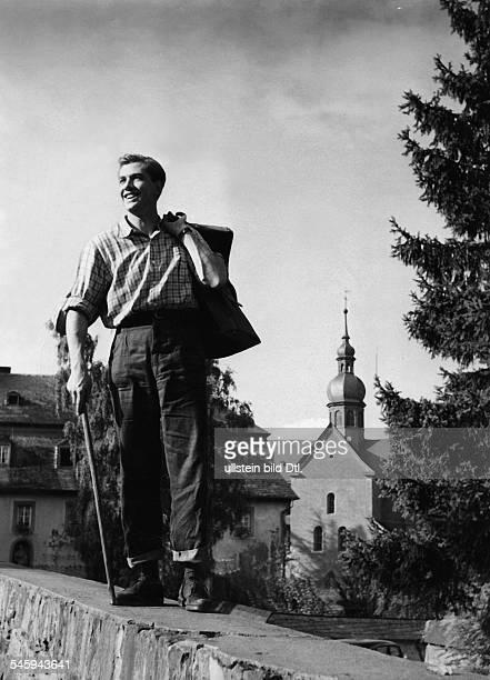 Riedmann Gerhard Actor Austria * Scene from the movie 'Der Vetter aus Dingsda' Directed by Karl Anton West Germany 1953 Vintage property of ullstein...
