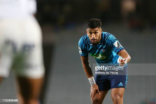 Rieko Ioane of the Blues gives a hint to Cornal Hendricks of the Bulls of which way he is heading at a set piece during the round 16 Super Rugby...